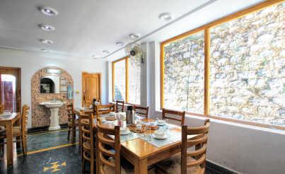21-In_House_Restaurant_2.jpg