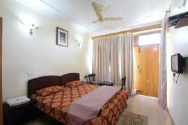 Super Deluxe Room 1_tn